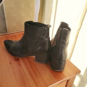 Genuine black leather boots/booties